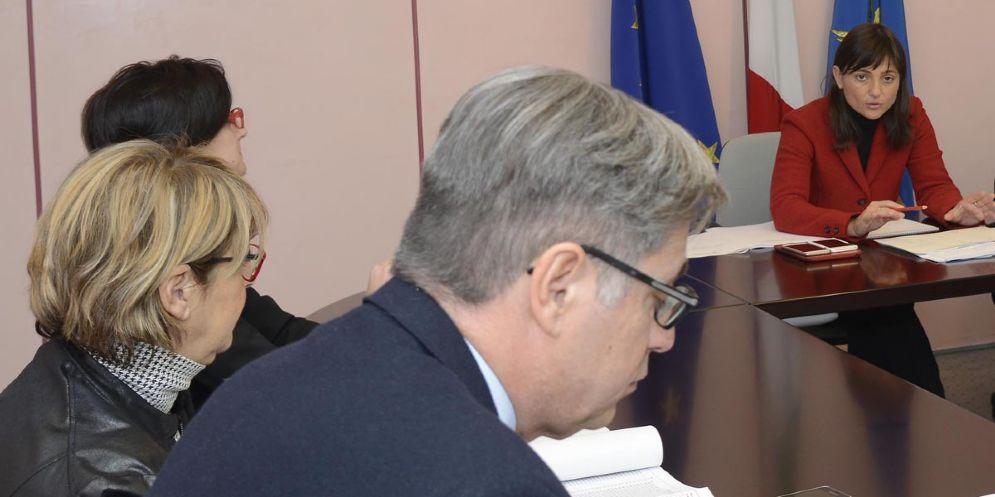 In primo piano l'assessore regionale alle Finanze, Francesco Peroni