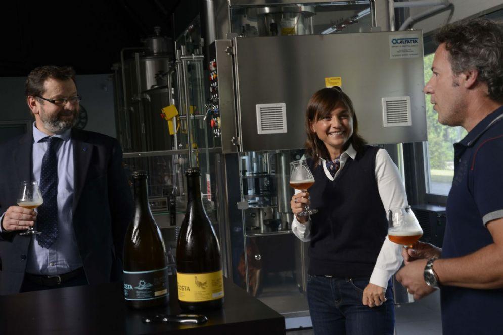 Visita al Birrificio Garlatti Costa della presidente Debora Serracchiani e del consigliere regionale Enio Agnola