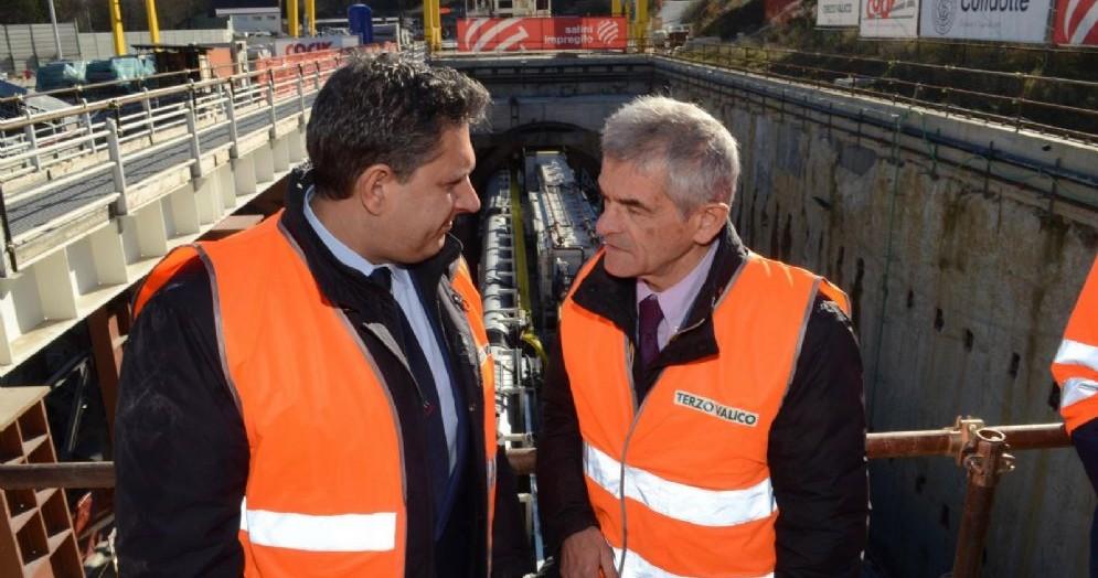 Il presidente della Regione Liguria, Giovanni Toti, con il presidente della Regione Piemonte, Sergio Chiamparino, in occasione della visita al cantiere del Terzo Valico di Arquata Scrivia