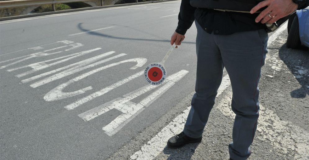 Polizia al confine con la Francia