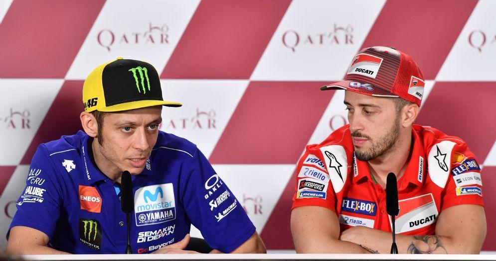 Valentino Rossi e Andrea Dovizioso in conferenza stampa in Qatar