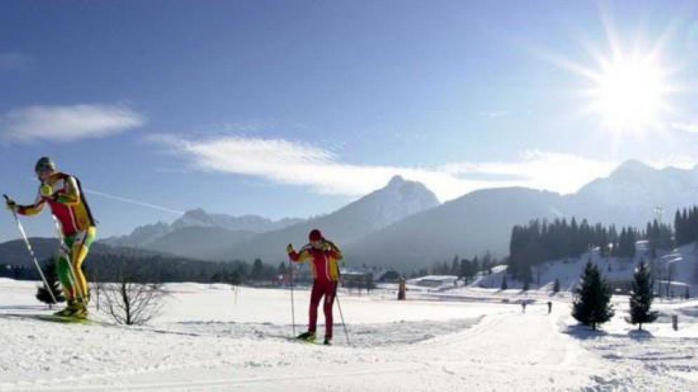 Si sente male mentre scia: muore a 60 anni