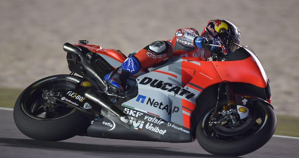 Andrea Dovizioso in sella alla Ducati nelle qualifiche in Qatar
