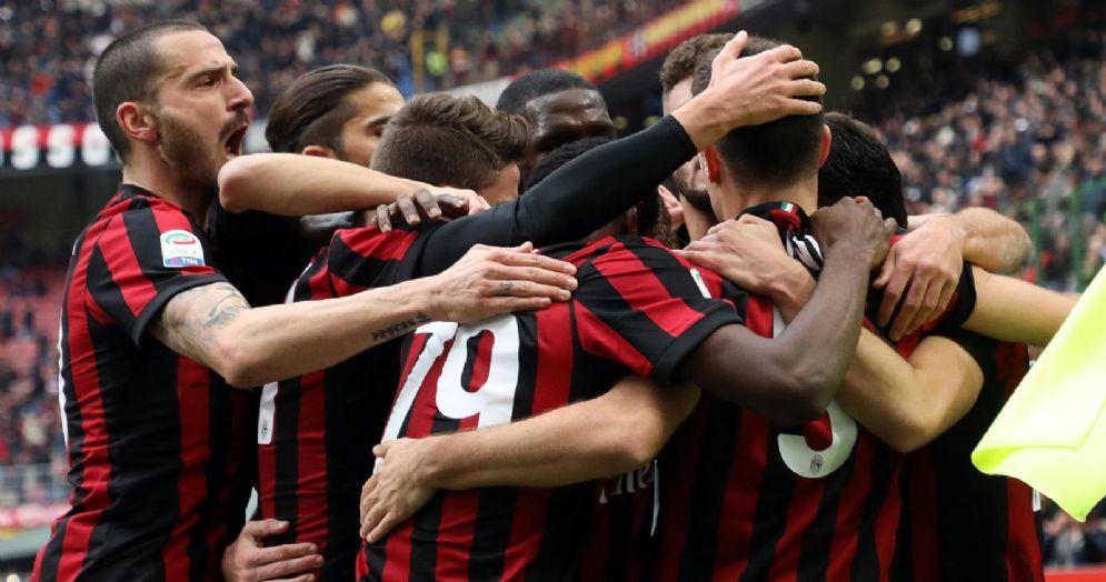 La gioia dei rossoneri per la vittoria contro il Chievo