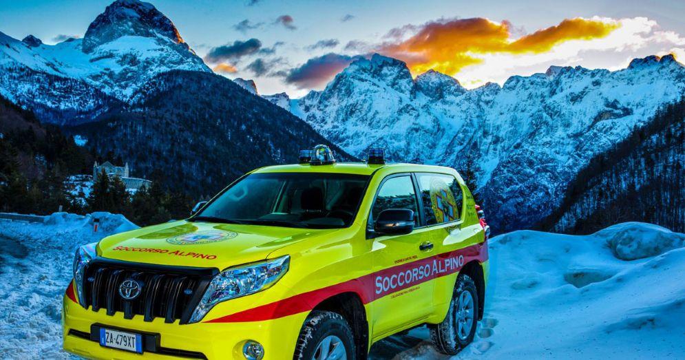Nuovo mezzo fuoristrada per il Soccorso Alpino di Cave del Predil