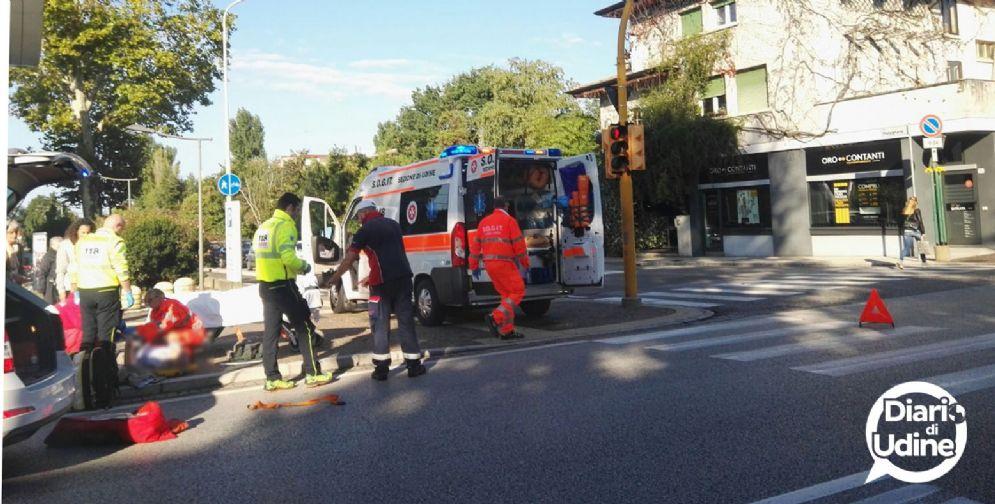 Ciclista urtato da un'auto in via Gino Pieri (foto archivio)