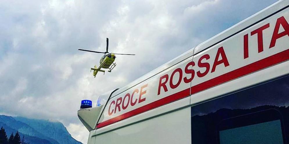 Due incidenti nel giro di un'ora nel pordenonese: due feriti, uno grave
