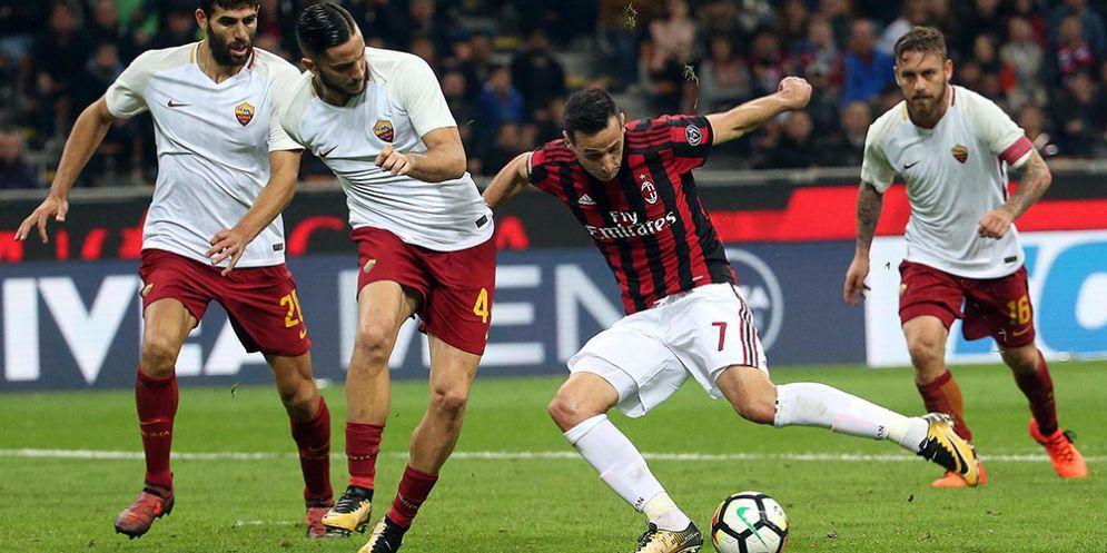 Una fase di gioco di Milan-Roma, due delle squadre impegnate nella corsa al quarto posto
