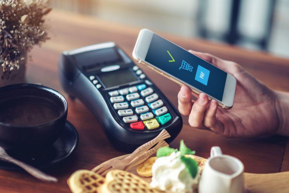 Samsung Pay e Apple Pay, l'Italia nella sfida dei pagamenti mobile