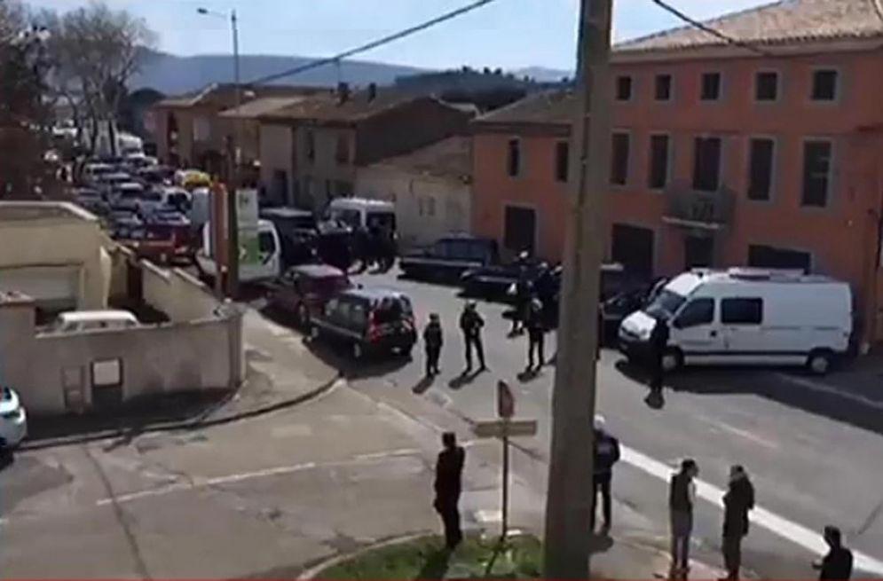 Il supermercato preso d'assalto in una cittadina del Sud Ovest della Francia.