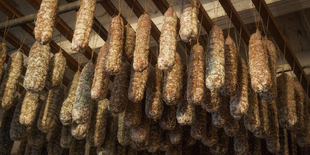Furto 'alimentare' in Friuli: dalla cantina spariscono i salami