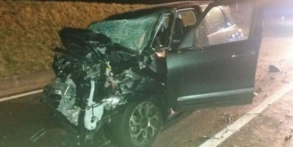 Frontale sulla strada regionale 463: due persone ferite