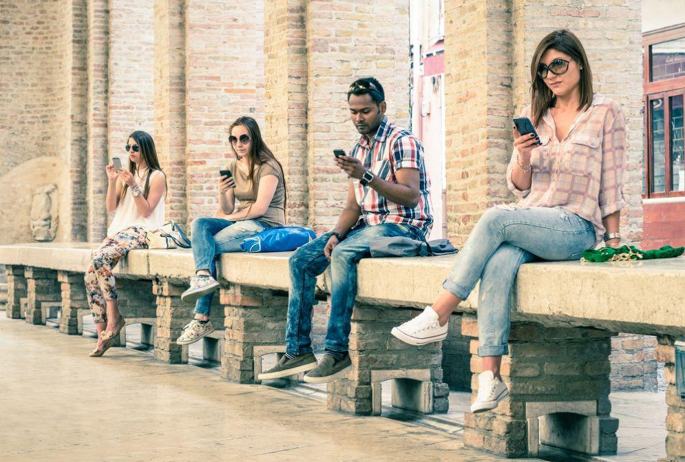 Dipendenza da smartphone? I consigli per trovare il giusto equilibrio