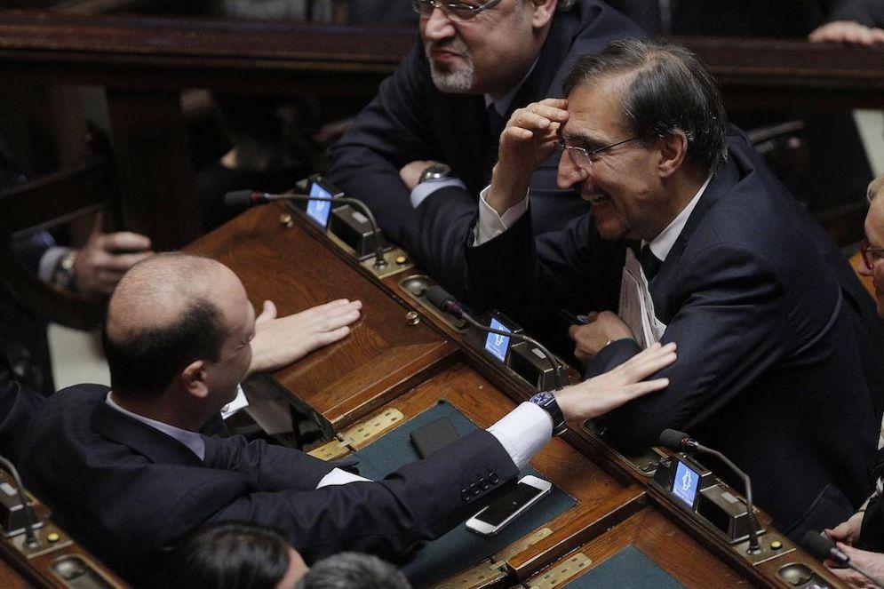 Angelino Alfano e Ignazio La Russa durante le votazioni.