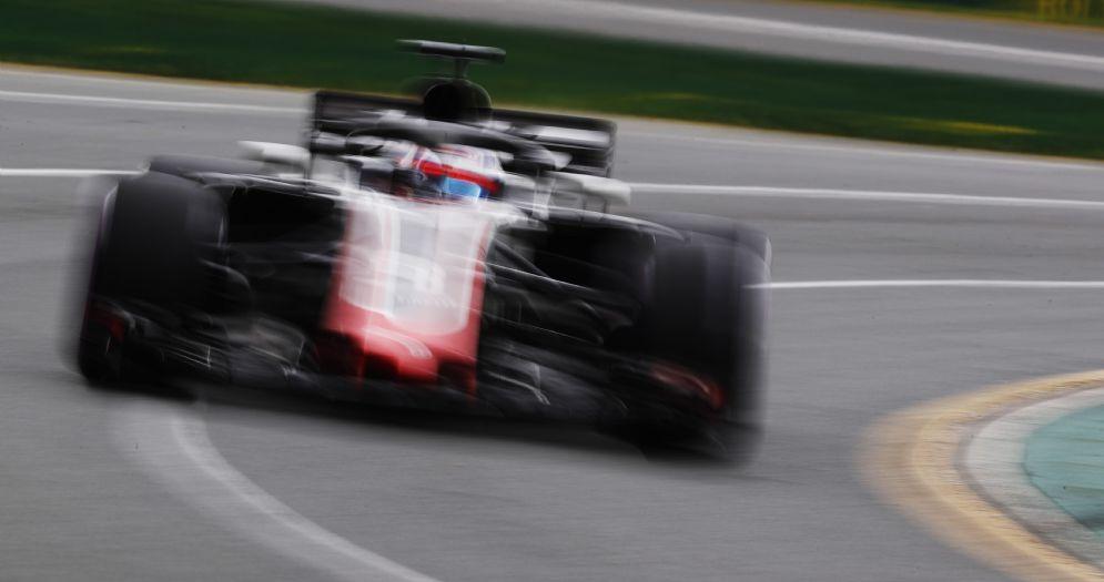 La Haas di Romain Grosjean in pista durante il Gran Premio d'Australia
