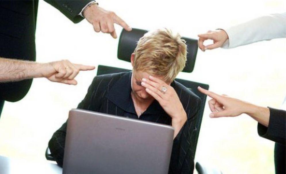 Mobbing e discriminazioni sul lavoro, casi in aumento
