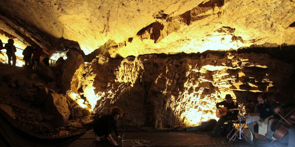 Pedalata ecologica e visita fotografica alle Grotte di Villanova