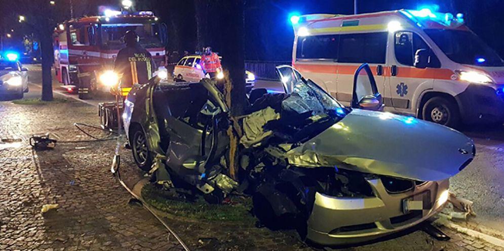 Schianto sulla Rivierasca: è morto il 21enne rimasto gravemente ferito