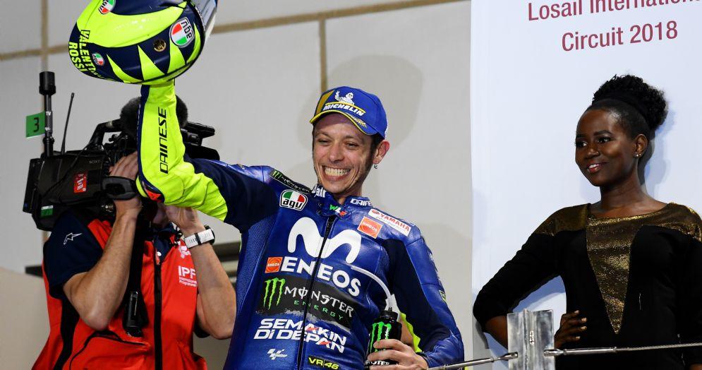 Valentino Rossi sul podio del Gran Premio del Qatar