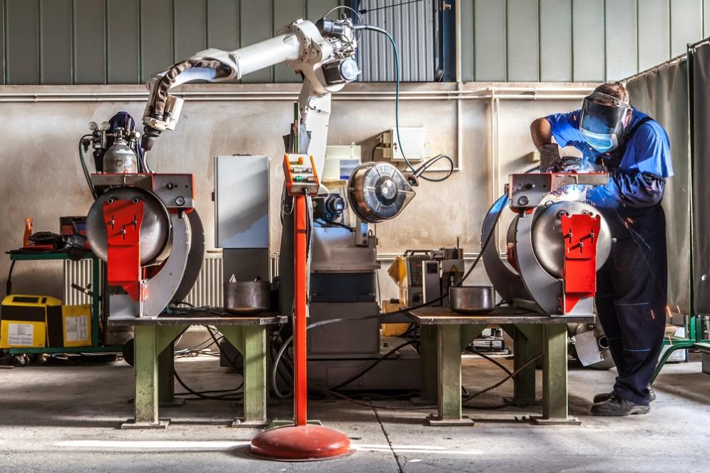 Come l'automazione intelligente riduce gli errori di fabbricazione