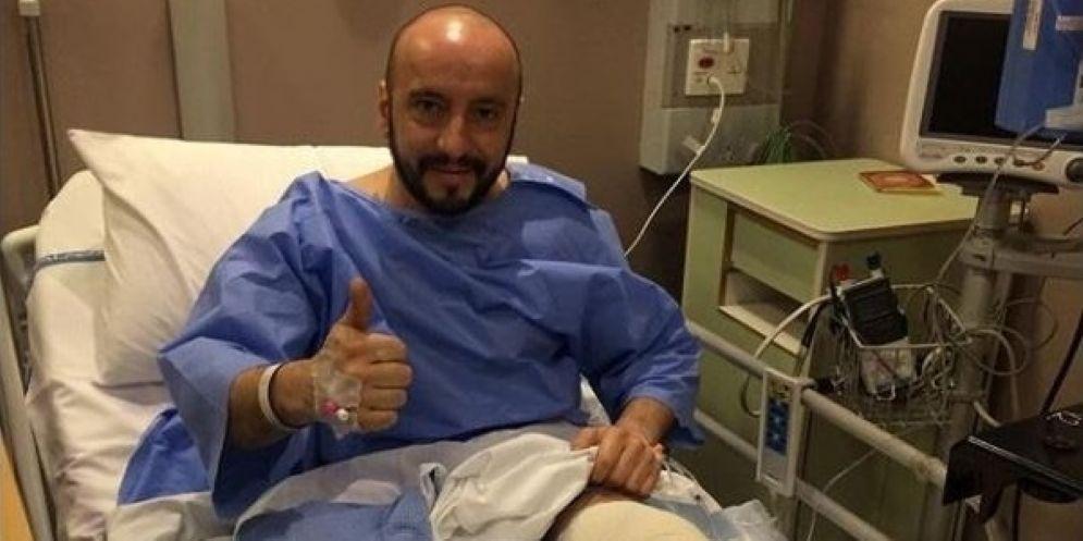 Francesco Cigarini nel suo letto d'ospedale