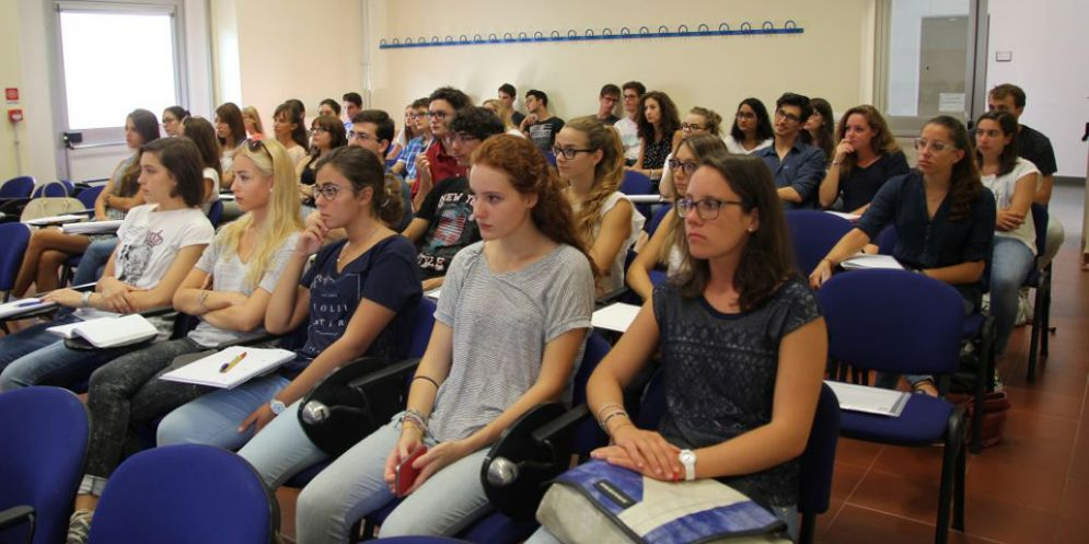 Future matricole dell'ateneo di Udine: primi test di accesso e questionari di valutazione