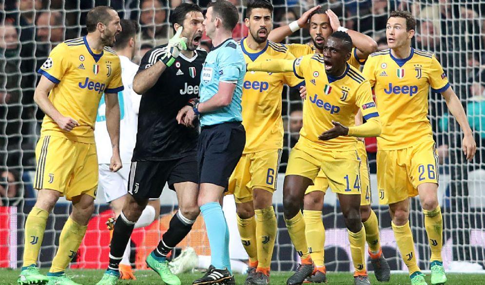 Un momento delle furiose polemiche al termine dell'ultimo Real Madrid-Juventus
