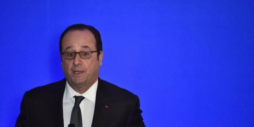 L'ex presidente francese Francois Hollande.