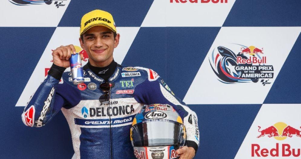 Jorge Martin festeggia la pole position nel GP delle Americhe di Moto3