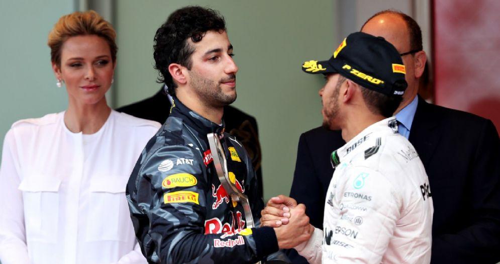 Daniel Ricciardo e Lewis Hamilton