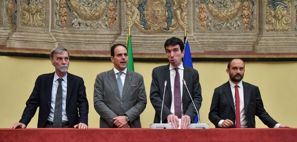 I reggenti del Pd dopo l'incontro con Roberto Fico
