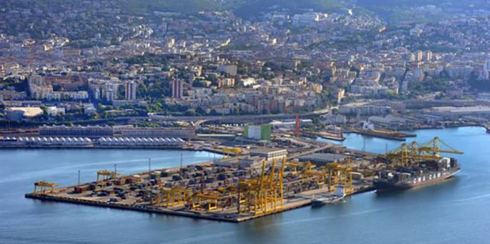 Porto di Trieste: continua la crescita grazie al traffico ferroviario