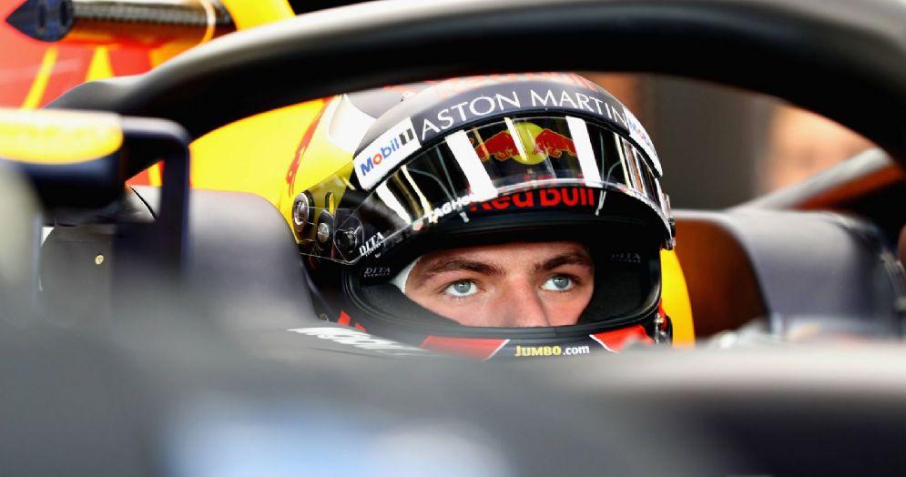 Max Verstappen nell'abitacolo della sua Red Bull a Baku