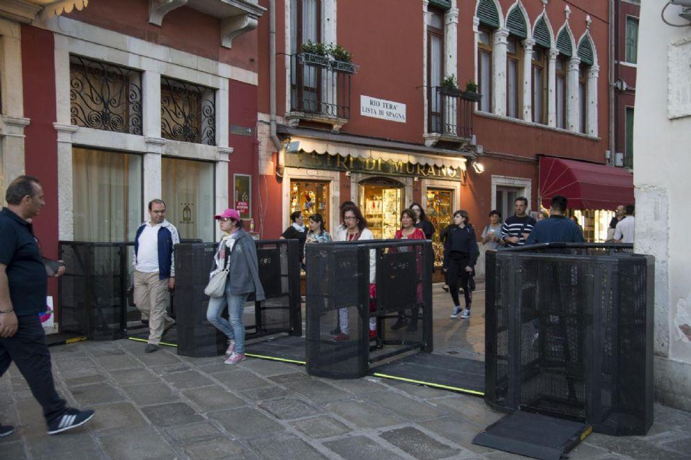 Tornelli a Venezia per regolare il flusso dei turisti
