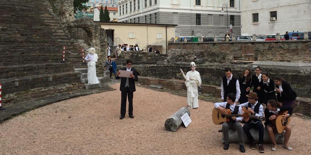 Apertura straordinaria per Teatro Romano con visite guidate drammatizzate
