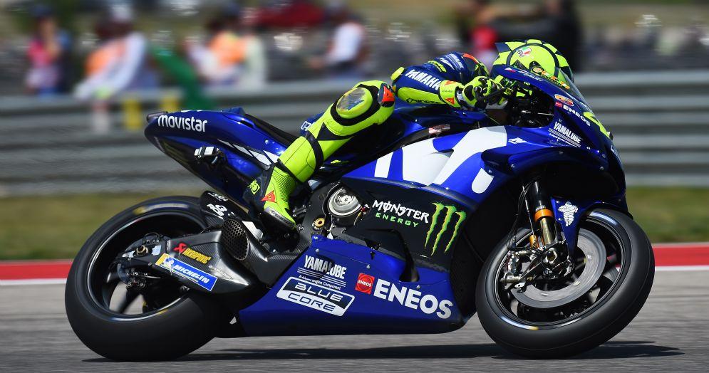 Valentino Rossi in pista con la Yamaha