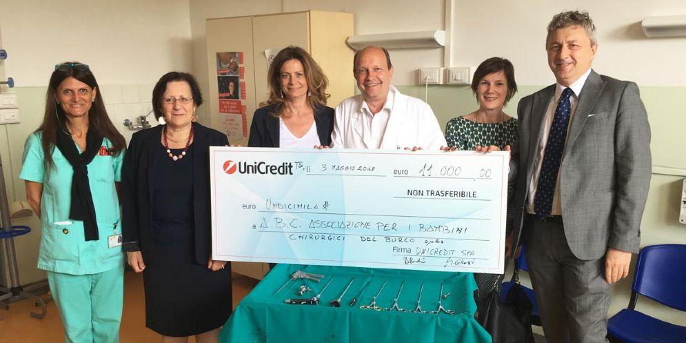 A.B.C. e UniCredit donano al Burlo un set di strumentazione per la micro chirurgia