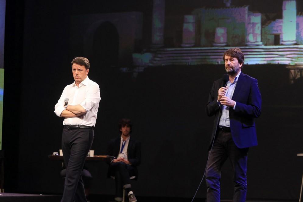 Renzi e Franceschini sul palco della Leopolda, Firenze, 25 novembre 2017