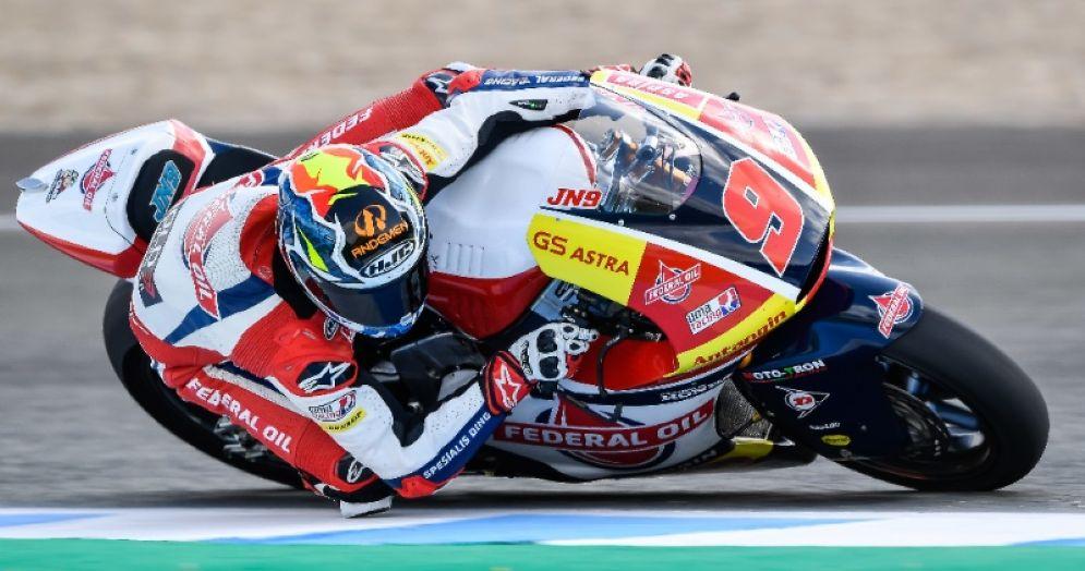 Jorge Navarro in sella alla moto del team Gresini Moto2 nelle prove libere del GP di Spagna di Jerez