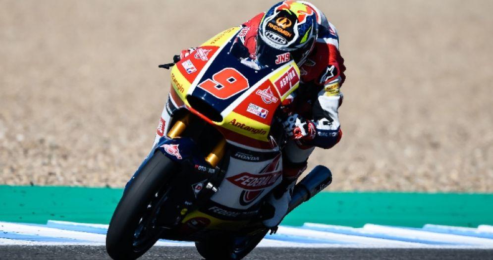 Jorge Navarro in sella alla moto del team Gresini Moto2 nelle qualifiche del GP di Spagna di Jerez