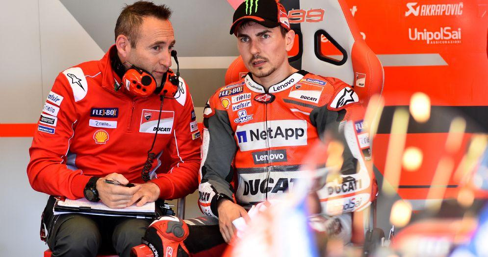 Jorge Lorenzo nei box della Ducati