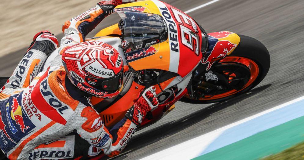 Marc Marquez in sella alla sua Honda durante il GP di Spagna di MotoGP a Jerez