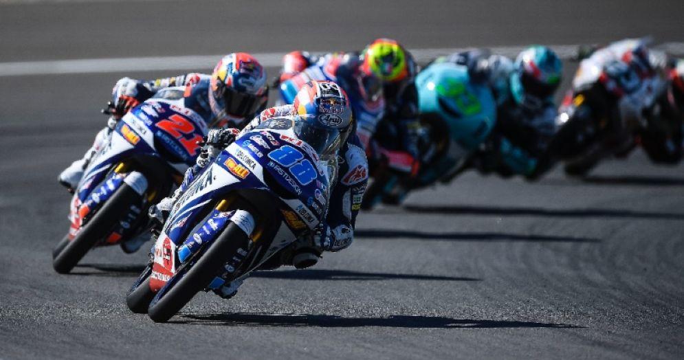 Una fase del GP di Spagna di Moto3 a Jerez con i due piloti Gresini, Jorge Martin e Fabio Di Giannantonio