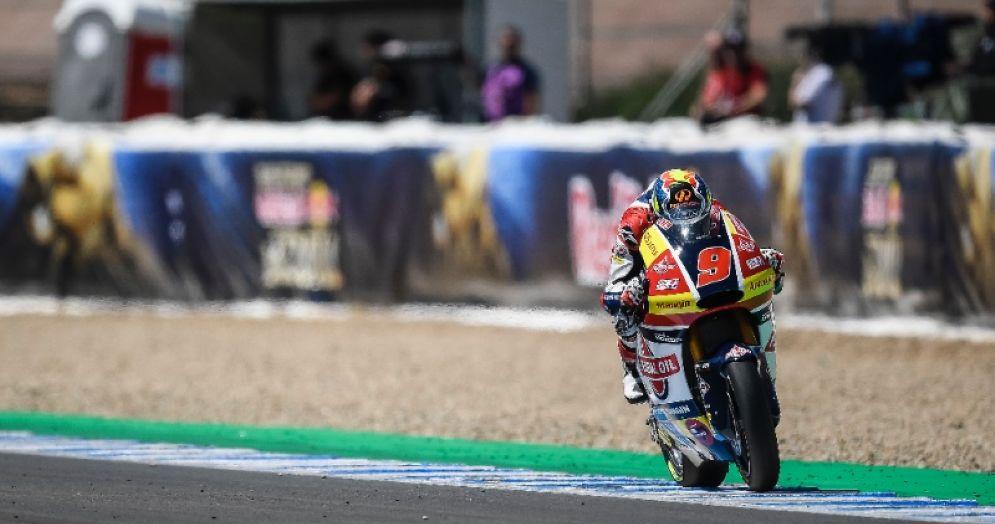 Jorge Navarro in sella alla moto del team Gresini Moto2 nel GP di Spagna di Jerez