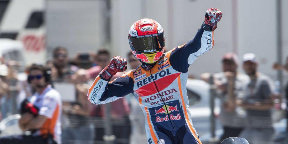 Marc Marquez festeggia la vittoria nel GP di Spagna di MotoGP a Jerez