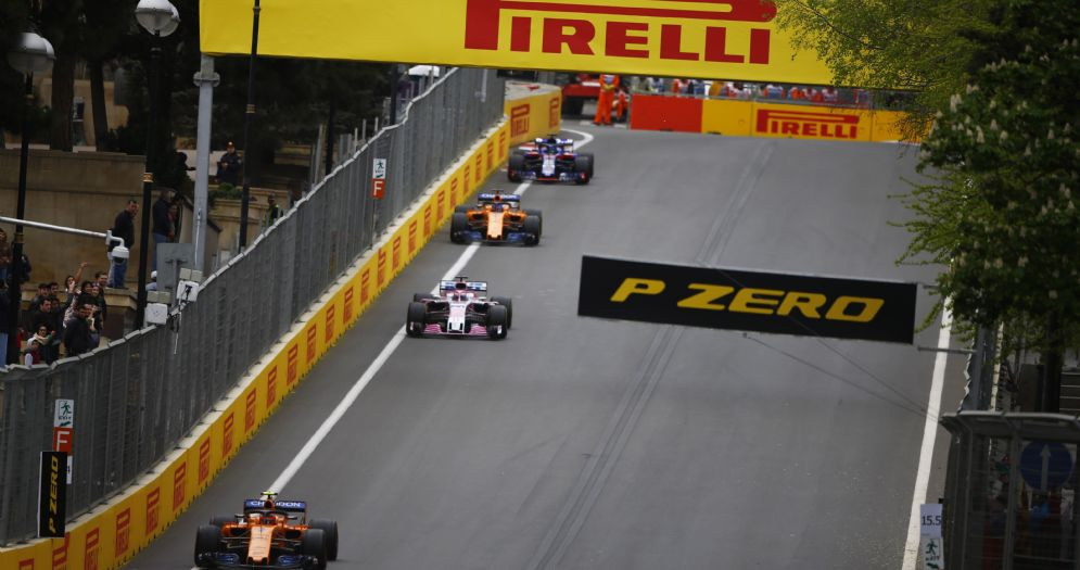 Una fase di gara dell'ultimo Gran Premio dell'Azerbaigian di F1