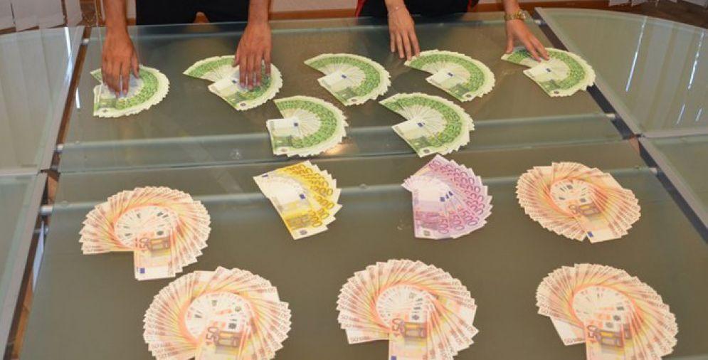 Fermato con più di 350 mila euro in contanti: cinese nei guai