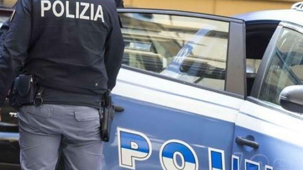 La polizia è intervenuta con gli agenti della Squadra Volanti