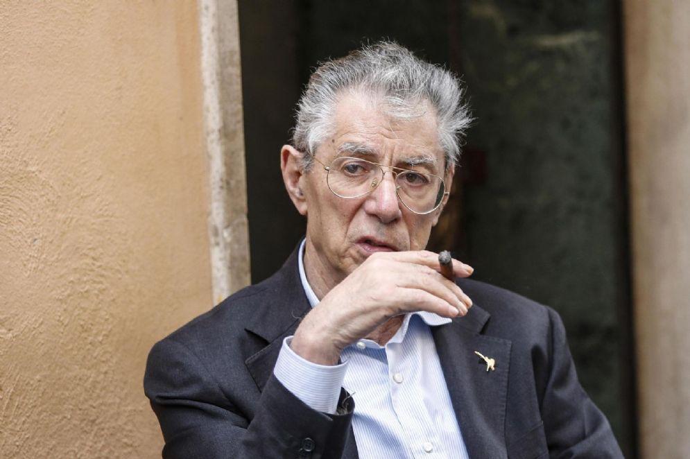 Umberto Bossi fuori Montecitorio, Roma, 9 maggio 2018