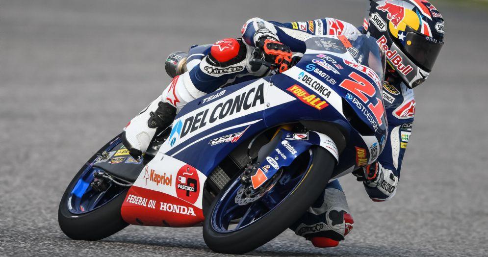 Fabio Di Giannantonio in pista nei test della Moto3 ad Aragon